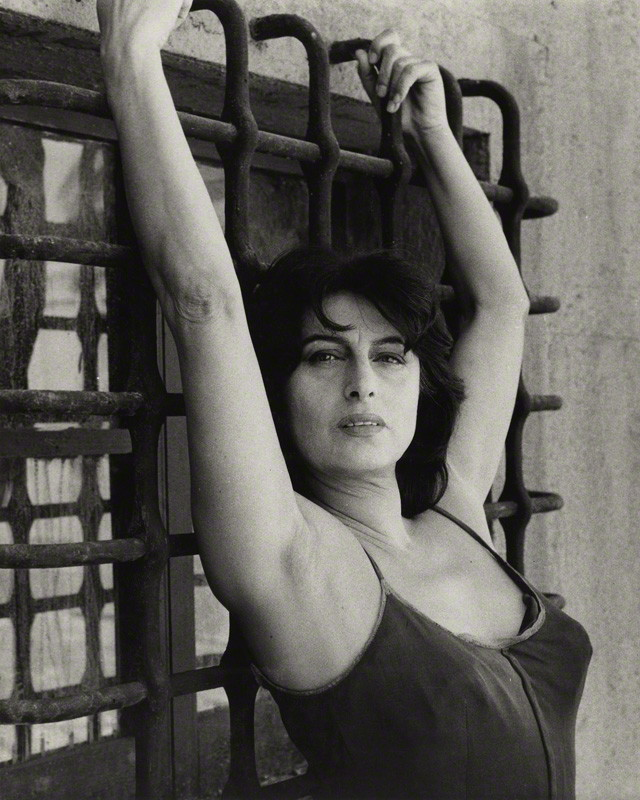 Preferenza Anna Magnani like you've never seen her. Portraits by Bob Collins. OI24