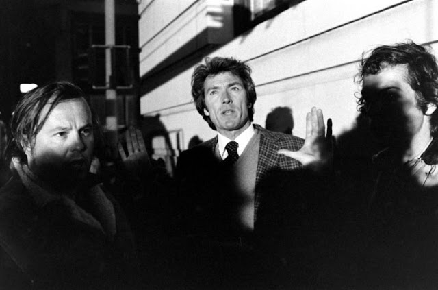 Clint Eastwood on the set of Dirty Harry movie, 1971 (7)