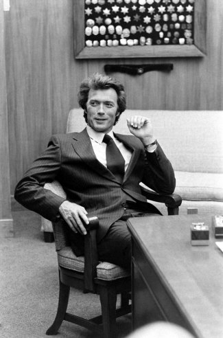 Clint Eastwood on the set of Dirty Harry movie, 1971