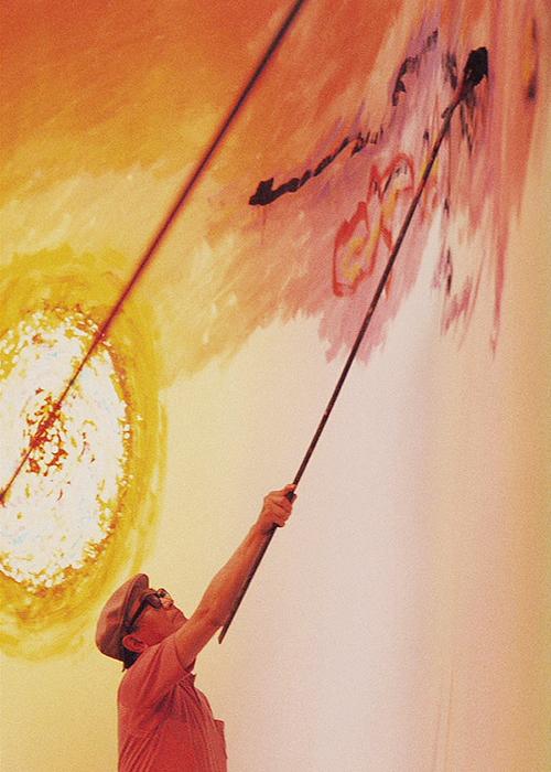 Akira Kurosawa painting the set of Dodes'ka-den.