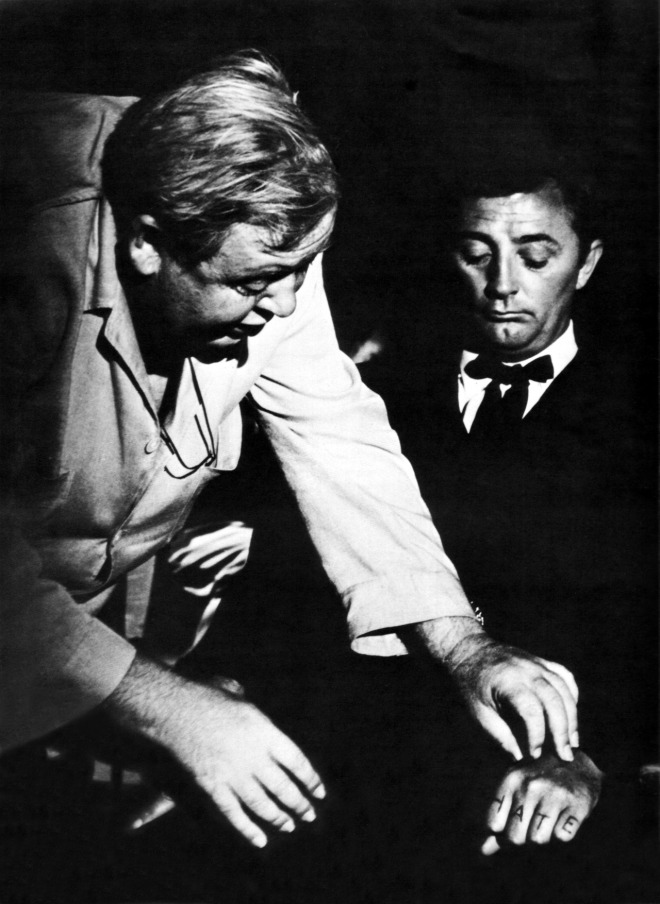 MITCHUM_Behind-the-scenes of Robert Mitchum, Charles Laughton in The Night of the Hunter