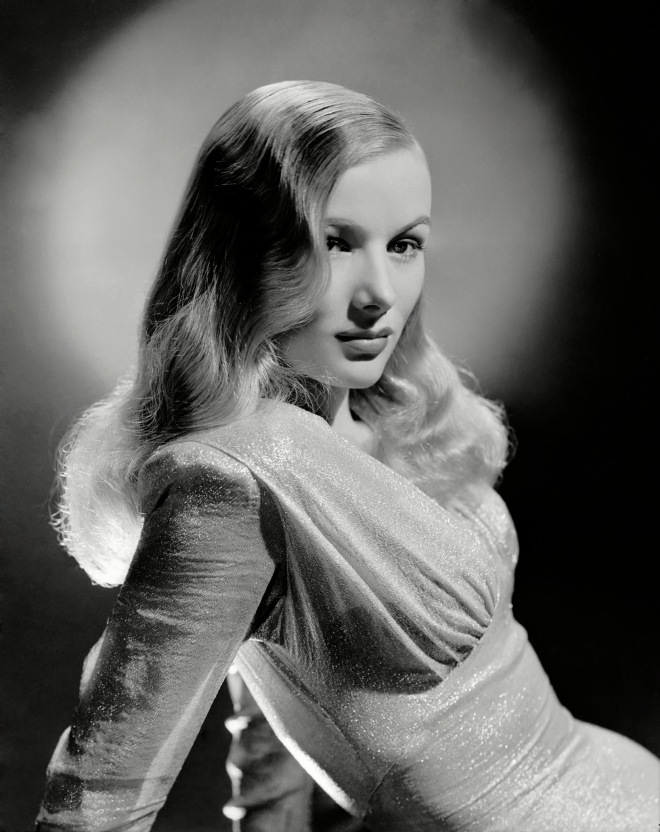 VL_George Hurrell, Portrait of Veronica Lake in This Gun for Hire  directed by Frank Tuttle, 1942