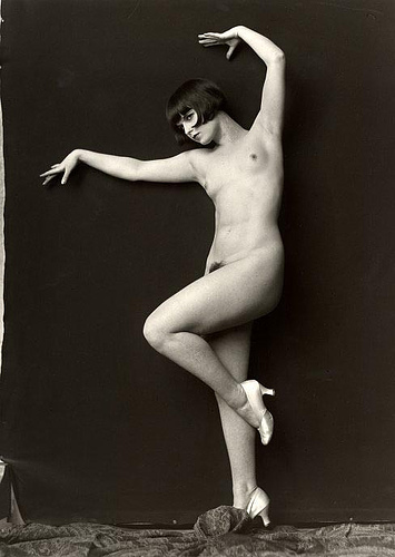 Louise Brooks by Alfred Cheney Johnston (Ziegfeld Follies)1