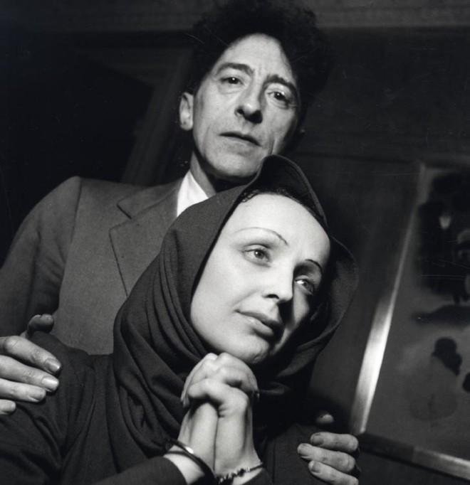 Jean Cocteau & Édith Piaf, ca. 1940. Photo by Serge Lido.