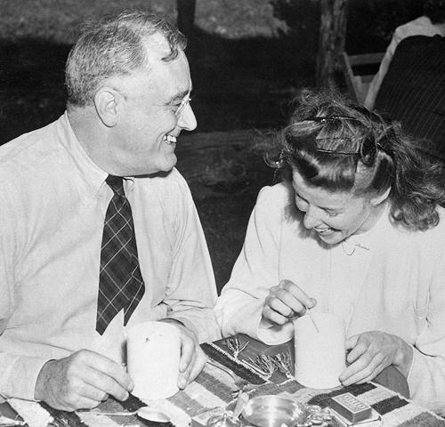Katherine Hepburn & President Roosevelt2