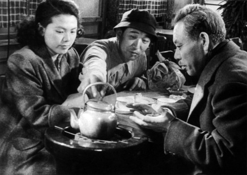 Miki Odagiri, Akira Kurosawa, and Takashi Shimura on the set of Ikiru.