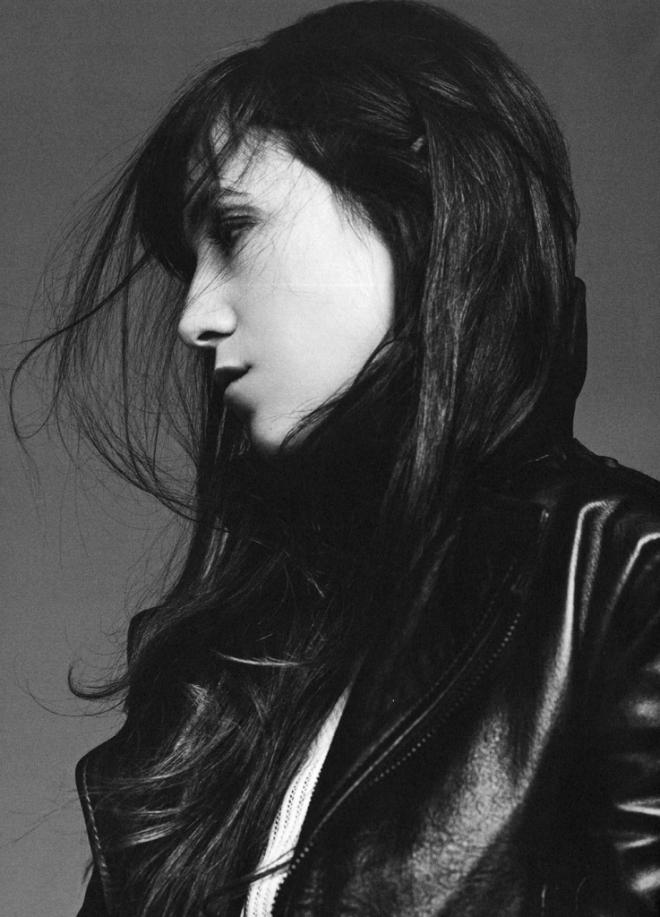charlotte-gainsbourg-by-karim-sadli-for-032c-magazine-no-24-spring-summer-2013-2