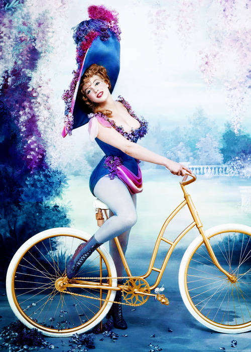 Marilyn Monroe as Lillian Russell photographed by RIchard Avedon, 1958.