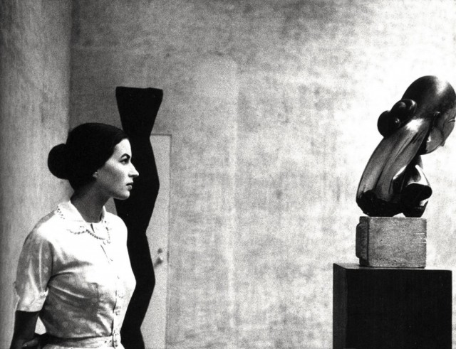 BLOG_Silvana Mangano at the Museum of Modern Art, New York.1956. Eve Arnold, Magnum Photographer