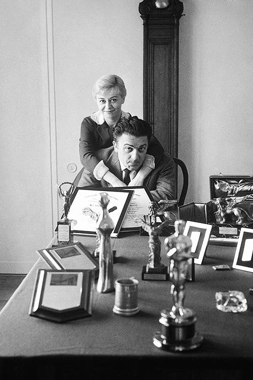 Italian director Federico Fellini and his wife Giulietta Masina, at their home in Rome, photographed by Carlo Bavagnoli, 1961