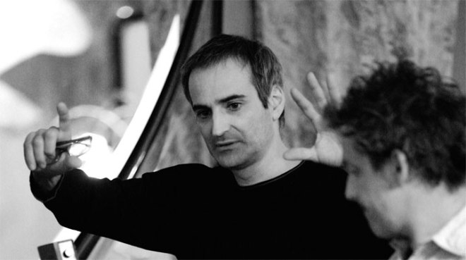 Olivier Assayas on the set of Carlos.