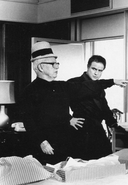 BLOG_Charlie Chaplin and Marlon Brando on the London set of A Countess From Hong Kong. Photographed by Alfred Eisenstaedt, 1966