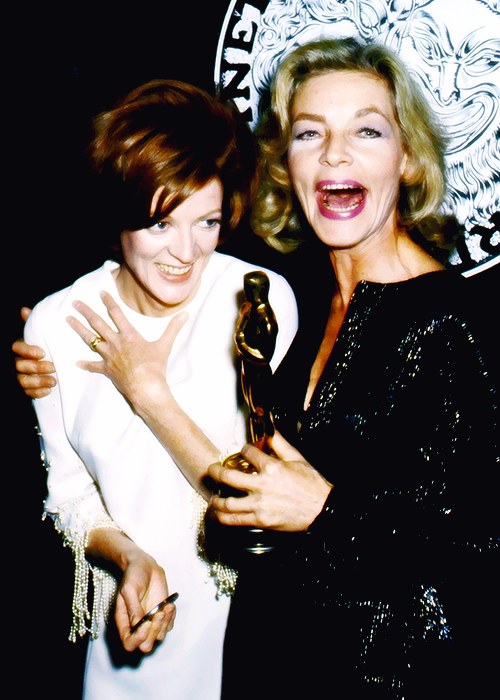 BLOG_Maggie Smith and Lauren Bacall at the 1970 Tony Awards.