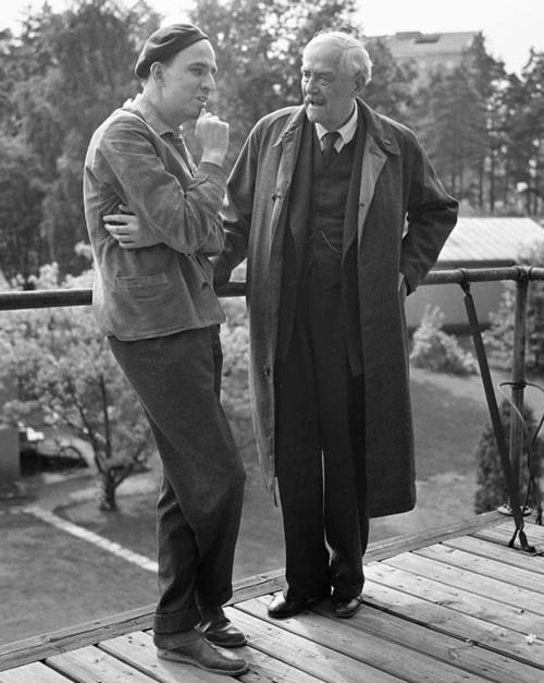 Director Ingmar Bergman talks with Victor Sjöström during the making of Wild Strawberries