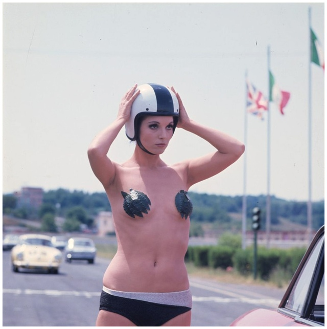 Elsa Martinelli in AutoDrome in Rome 1967_3