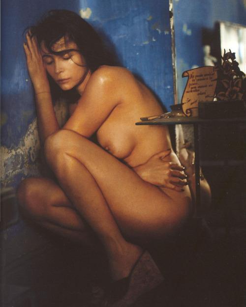 Emmanuelle Beart Nude Pics