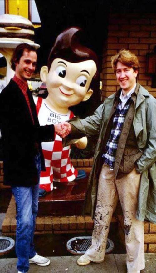 BLOG_John Waters and David Lynch meet outside a Bob's Big Boy, LA c.1979