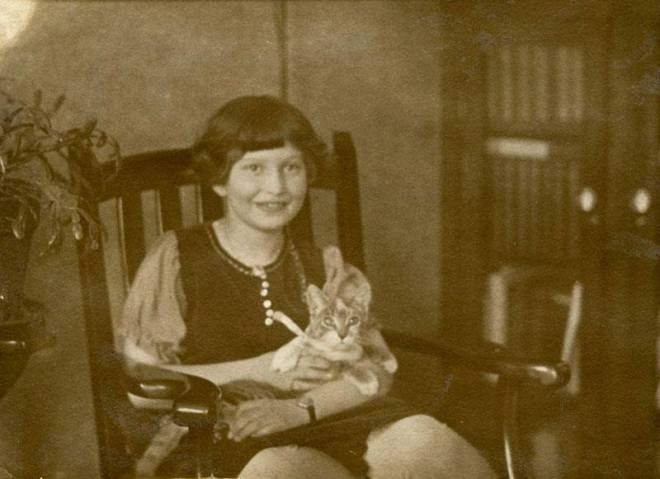 Maya Deren, Syracuse, 1926