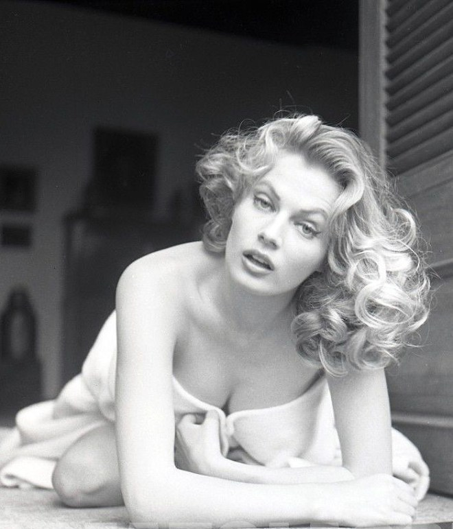 Anita Ekberg by Peter Basch-4