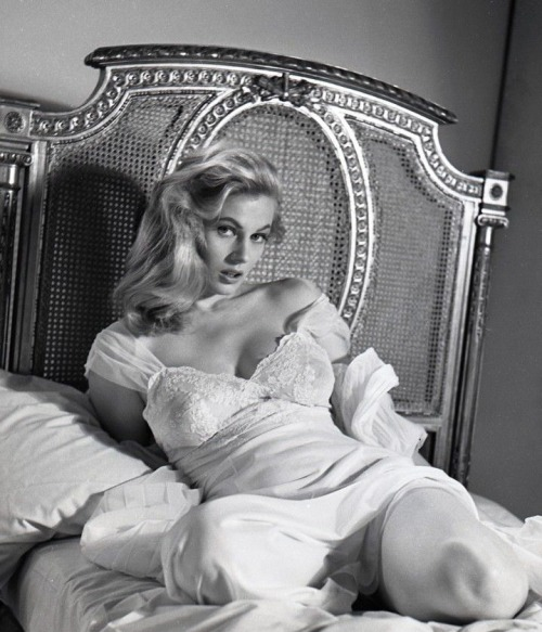 Anita Ekberg by Peter Basch-5