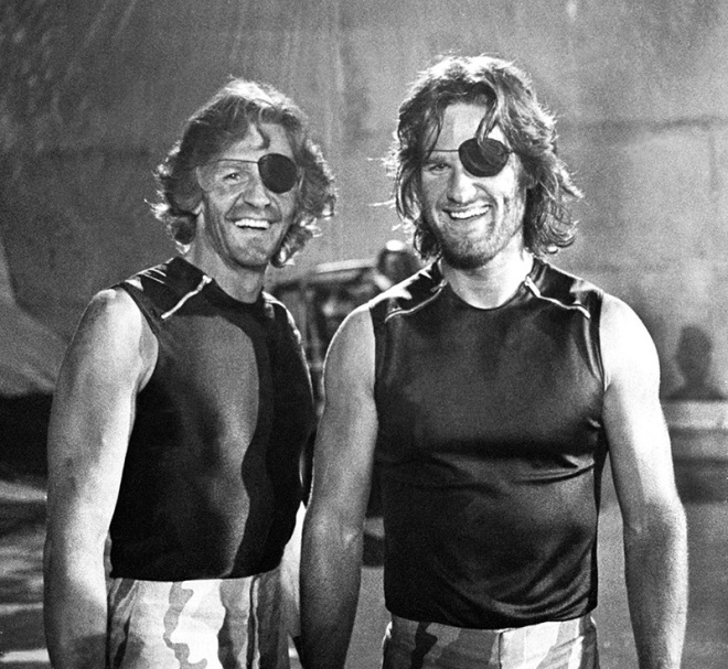 Kurt Russell and his stunt double Dick Warlock on the set of Escape from New York.