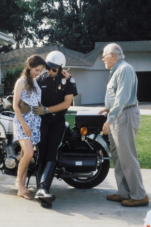 "Madeleine Stowe, Tim Robbins & Robert Altman on the set of ""Short Cuts"