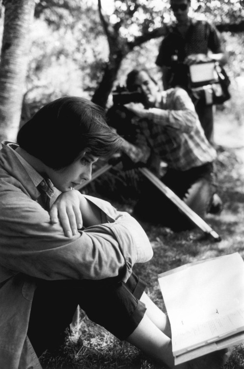 Isabella Rossellini studying her lines for David Lynch's film Blue Velvet, in Massachusetts, 1985