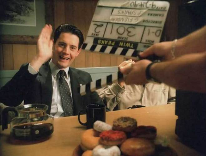 Kyle MacLachlan on the set of Twin Peaks.