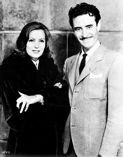 Greta Garbo and John Gilbert promoting their film Queen Christina in 1933. -1