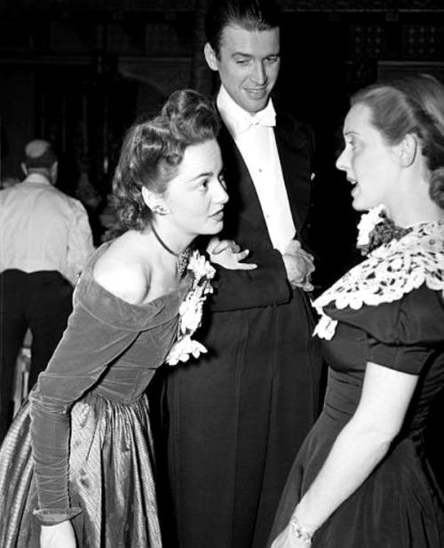 Jimmy Stewart, Olivia de Havilland and Bette Davis, 1940