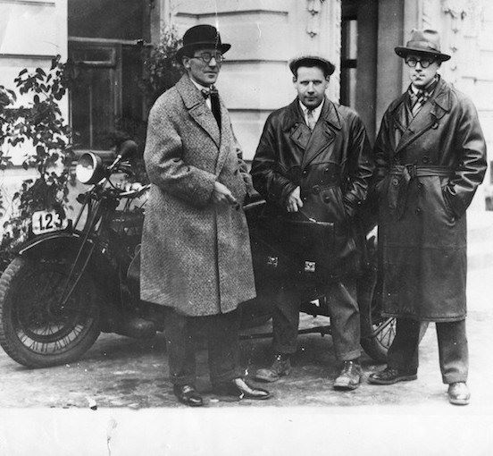 5TH_Le Corbusier, Sergei Eisenstein, and Andrei Burov in Moscow (1928)