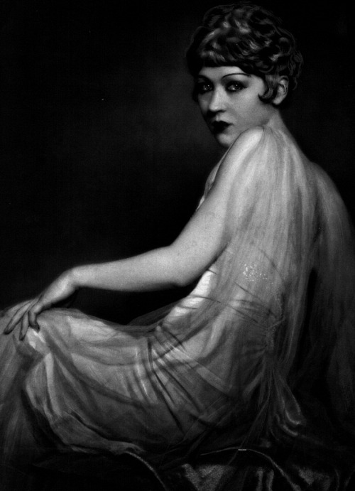 12_Catherine Hessling in publicity still for Nana (1926, dir. Jean Renoir)