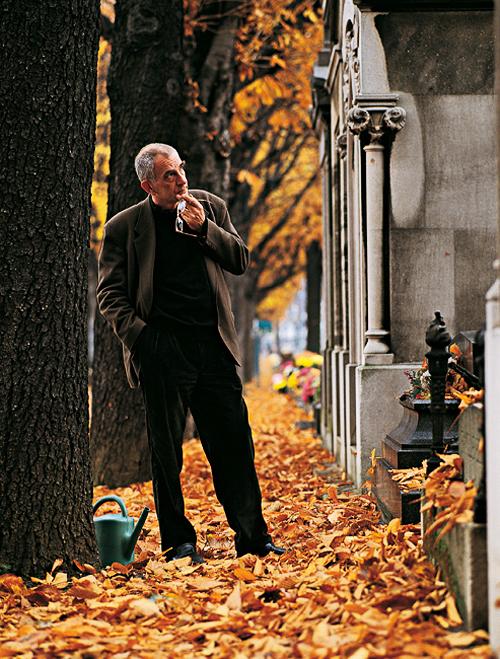 19_Krzysztof Kieślowski photographed by Catherine Chabrol, 1992.jpg