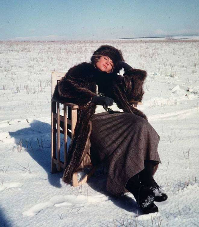 18_Julie Christie taking a break on the set of Doctor Zhivago..jpg