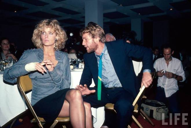 26_Farrah Fawcett and Ryan O'Neal, 1985..jpg