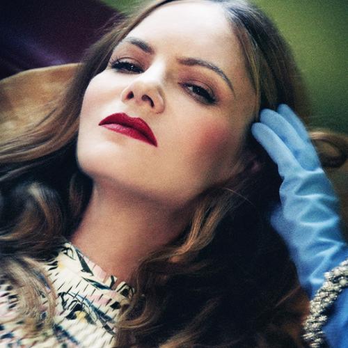 Jennifer Jason Leigh photographed by Stas Komarovski for Interview Magazine_2