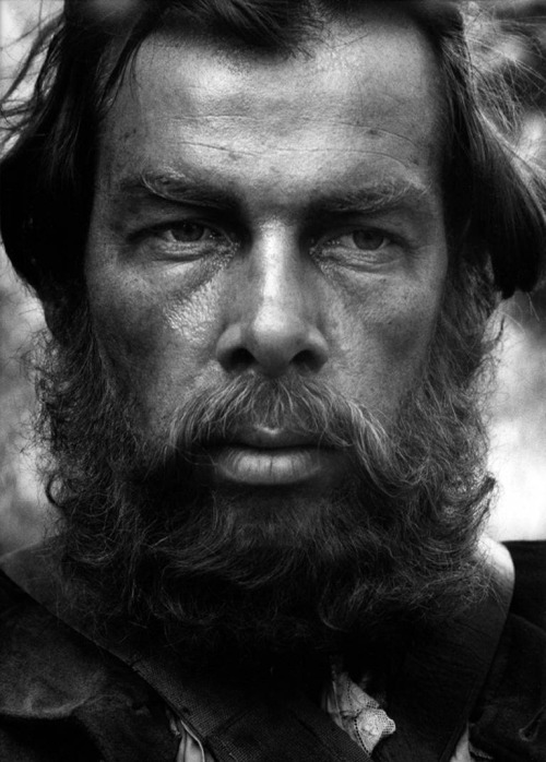 8_Lee Marvin by Bob Willoughby, 1956.jpg
