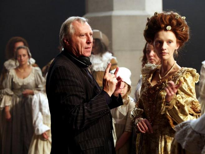 12_NIGHTWATCHING, director Peter Greenaway, Natalie Press, on set, 2007..jpg