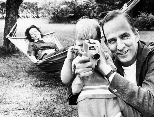 14_Ingmar Bergman & Käbi Laretei by Lennart Nilsson-1