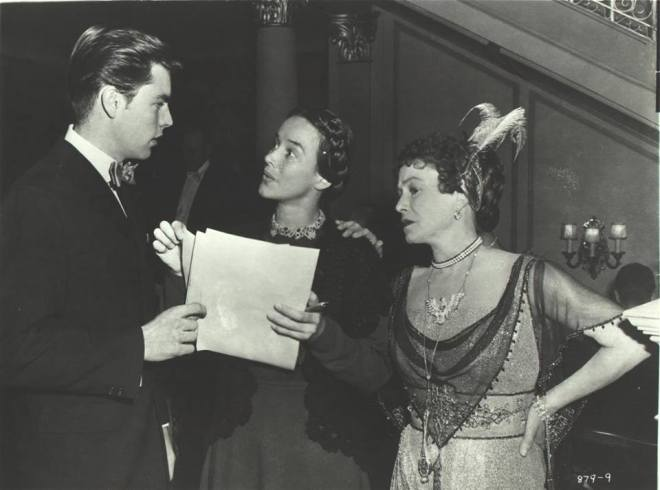 19_Robert Wagner, Unkown and Thelma Ritter on the set of Titanic directed by Jean Negulesco, 1953..jpg