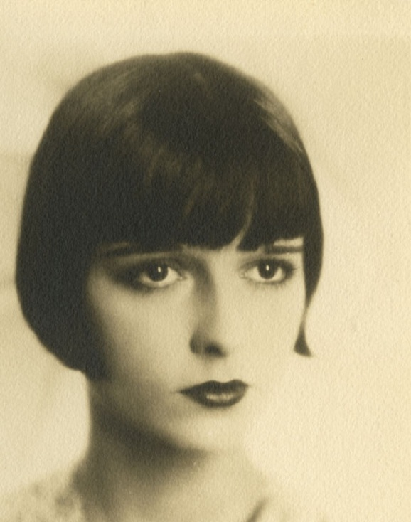 24_Louise Brooks, 1925.jpg