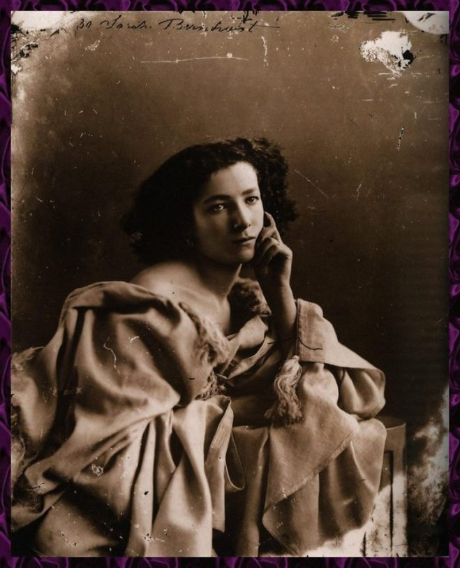 18_Sarah Bernhardt,1844-1923,French stage and film actress,1864.  by Felix Nadar.jpg