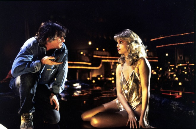 27_Paul Verhoeven directing Elizabeth Berkley on the set Showgirls.jpg