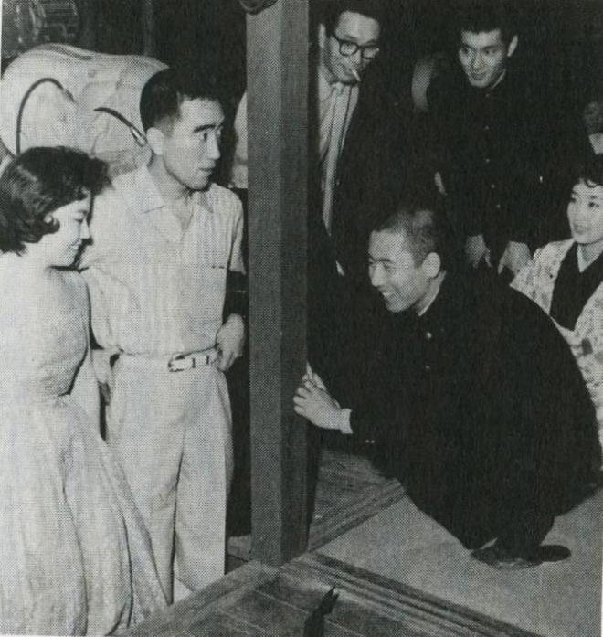 4_Kon Ichikawa,Yukio Mishima, Raizô Ichikawa and  Tatsuya Nakadai, On the set of Conflagration,1958.jpg