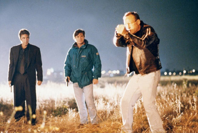 22_Michael Mann directing the climax scene of Heat..jpg