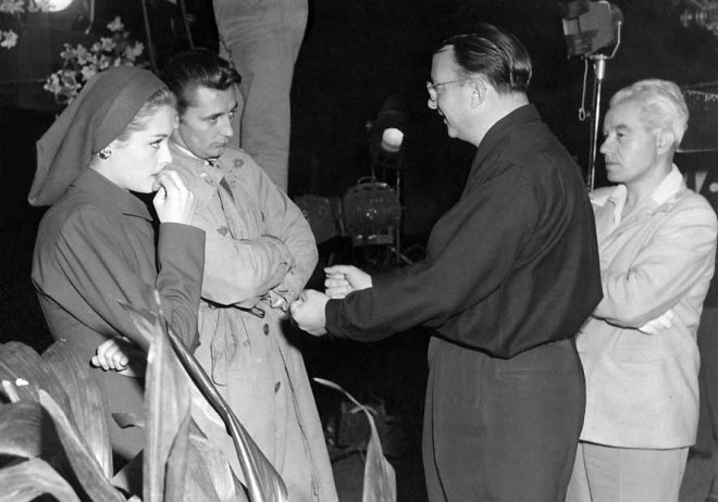18_Jane Greer, Robert Mitchum, director Jacques Tourneur and cinematographer Nicholas Musuraca between shots of Out of the Past.jpg