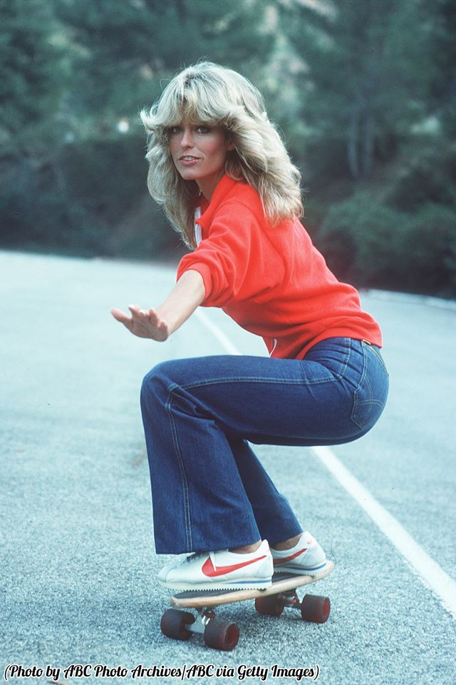 26_Farrah Fawcett skateboarding on 'Charlie's Angels,' 1976..jpg