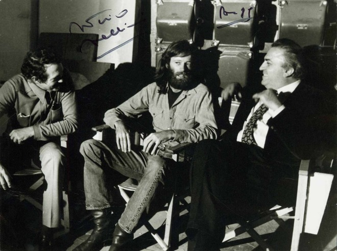 29_Fellini, Peter Fonda and Warren Oates on the set of the movie 'Roma' in Cinecittà shows.jpg