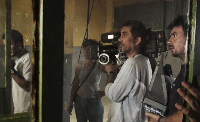 nuri-bilge-ceylan-and-cinematographer-gokhan-tiryaki-filming-three-monkeys-2008-1