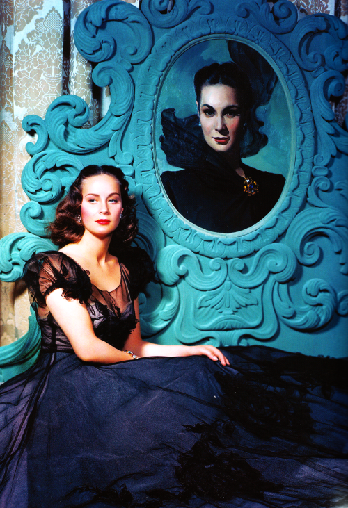 30_Alida Valli, photographed by John Miehle, 1947..png